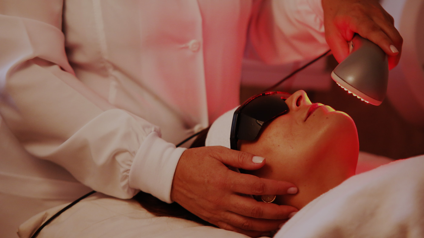 rejuvenescimento-facial-com-ledterapia-dermaled-luz-de-led-brasilia
